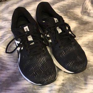 ASICS Gel Pulse 11 black/white sneakers